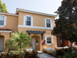 $559/week Beautiful 3 bed in Emerald Island! - Four Corners vacation rentals