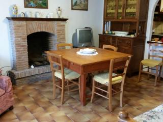 Nice Townhouse with Toaster and Satellite Or Cable TV in Camaiore - Camaiore vacation rentals