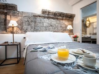 BB22 Palace Moncada - Palermo vacation rentals