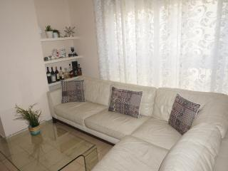 PRIME LOCATION 5 MIN FROM THE BEACH - Tel Aviv vacation rentals