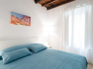 Luxury Apartment in Monti-Colosseum C - Rome vacation rentals