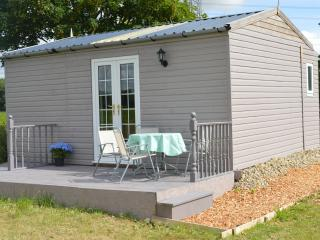 Elizabeth's Glamping Lodge with external bathroom - Stamford Bridge vacation rentals