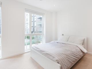 Modern Apart, DoubleRoom, Bermondsey- Tower Bridge - London vacation rentals