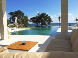 Villa Mathan - Bali - New modern beach villa - Lovina vacation rentals