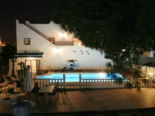 Villa -privat Pool-4 Bedrooms-7 Sleep, free WIFI - San Miguel de Salinas vacation rentals