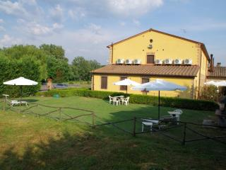 Corbezzolo bedsit house in Tuscany Chianti Hills - Monteaperti vacation rentals
