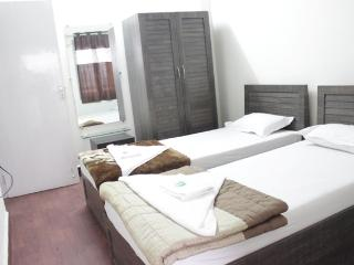 2 Bedroom Serviced Apartment in Malad East - Mumbai (Bombay) vacation rentals
