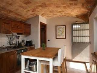 Central appartment in the heart of Monforte D'alba - Monforte d'Alba vacation rentals