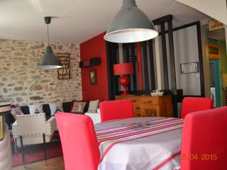 Cozy 2 bedroom Townhouse in Saint Pol de Leon - Saint Pol de Leon vacation rentals