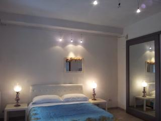 Ca Bonamini - appartamento Bianco - Arcola vacation rentals