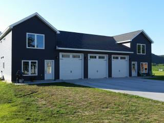 Harpers Ferry Ia. Luxury Condo - Downtown - Harpers Ferry vacation rentals