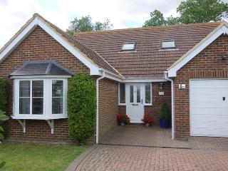 Spacious 4 bedroom House in Dymchurch - Dymchurch vacation rentals