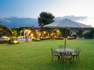 Residencia Jardin Real y bungalow - Cuernavaca vacation rentals