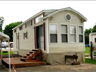 Nice Cottage with Internet Access and Parking - Sunbury vacation rentals