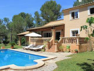 Spacious 6 bedroom Algaida Villa with Deck - Algaida vacation rentals