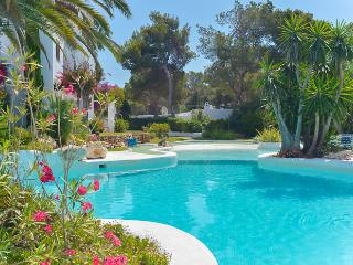 Beautiful 2 bedroom Apartment in Cala d'Or - Cala d'Or vacation rentals