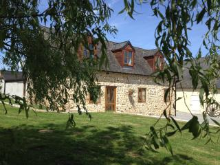 Perfect 2 bedroom Cottage in Sellé-le-Guillaume - Sellé-le-Guillaume vacation rentals