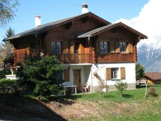 Bright 4 bedroom La Tzoumaz Chalet with Dishwasher - La Tzoumaz vacation rentals