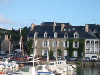 Ty-Braz Sur le quai de Dahouët - Pléneuf-Val-André vacation rentals
