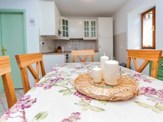 "Unique location in Rovinj centre ""Casa del fravo"" - Rovinj vacation rentals"