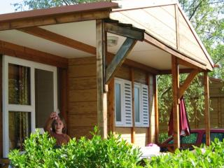 Cozy 2 bedroom Bouillon Cottage with Housekeeping Included - Bouillon vacation rentals