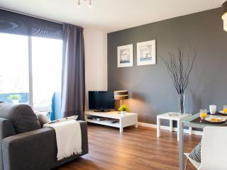 Poblenou Beach - one bedroom with balcony - Barcelona vacation rentals