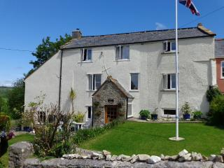 3 bedroom Bed and Breakfast with Internet Access in Buckland St Mary - Buckland St Mary vacation rentals
