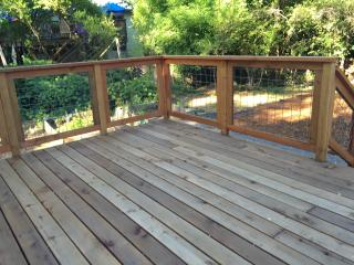 Cozy 2 bedroom Guerneville Cottage with Deck - Guerneville vacation rentals