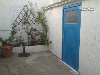 Independent room to let in Mèze, at Jean-paul's place - Meze vacation rentals
