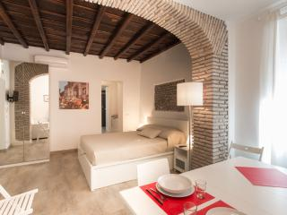 Luxury Apartment in Monti-Colosseum TC - Rome vacation rentals