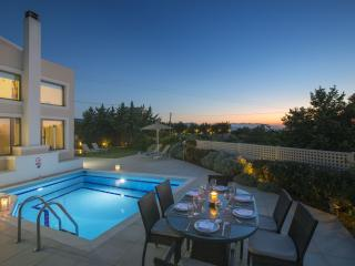 Quiet Relaxation at Irini Villa 18km from Rethymno - Skouloufia vacation rentals