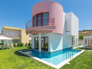 Albufeira Marina Villa 12 - Alcantarilha vacation rentals