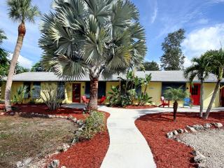 Poinciana, pet friendly no steps 5 min. to beach - Fort Myers Beach vacation rentals