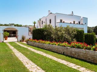 4 bedroom Villa with Shared Outdoor Pool in Gallipoli - Gallipoli vacation rentals