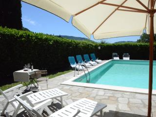 Villa Poggiolo - Oasi di relax - Borgo San Lorenzo vacation rentals