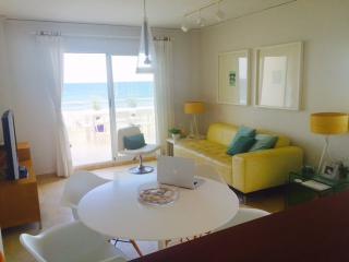 Frontline seaside apartment - Oliva vacation rentals