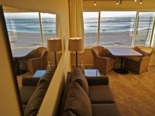 Four Sea Sons at the Sea Gypsy - Remodeled Condo - Lincoln City vacation rentals