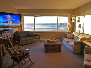 The Codfather - Large Deluxe Suite w/ Unreal View - Lincoln City vacation rentals
