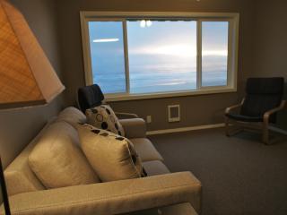 'Shell in a Handbasket' Beachfront Condo - Lincoln City vacation rentals