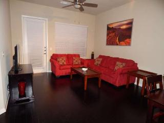 Nice House with Internet Access and Shared Outdoor Pool - Houston vacation rentals