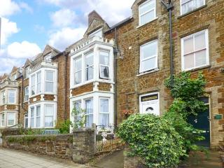 WESTGATE RETREAT, first floor apartment, off road parking, close to beach, in Hunstanton Ref 921098 - Hunstanton vacation rentals