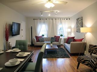 Trendy 2 BR Apt - Private Garden Minutes from NYC - Brooklyn vacation rentals