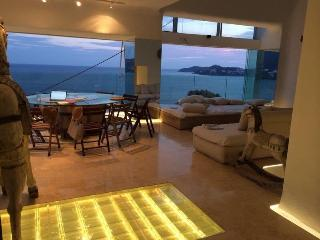Spectacular Penthouse - Acapulco Bay - Acapulco vacation rentals