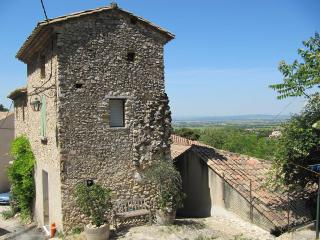 Towerhouse in Gigondas - Gigondas vacation rentals