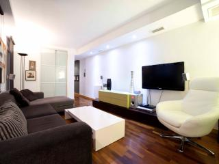 Design, space and comfort in the center - Navas - Alicante vacation rentals