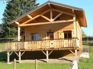 Charmant chalet à la montagne - Jura vacation rentals