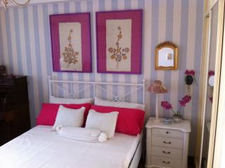 Romantic 1 bedroom Getxo Private room with Internet Access - Getxo vacation rentals