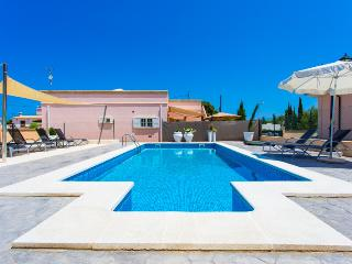 Villa in peaceful area of Cala Rajada for 6 people - Capdepera vacation rentals