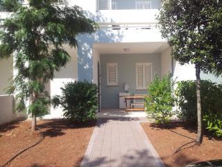 Nuovissima villetta fronte mare - Baia Verde vacation rentals