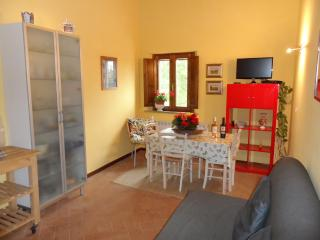 Appartamento Ginestra - Donoratico vacation rentals